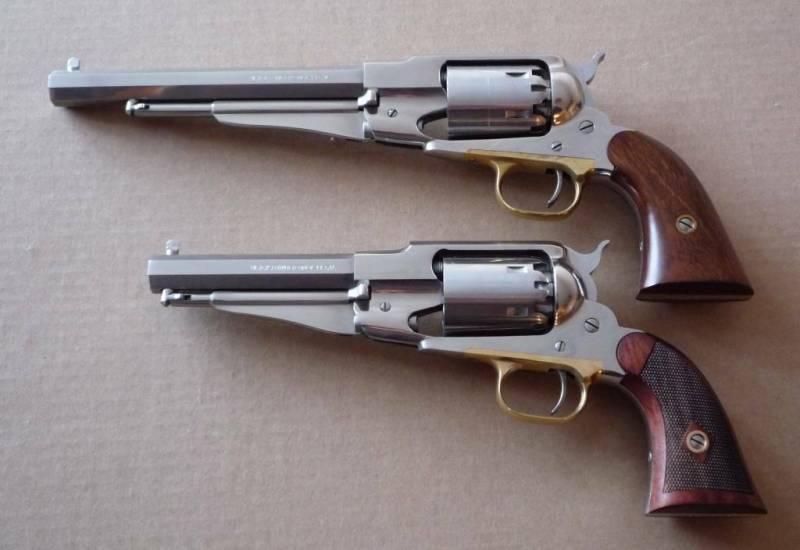 2 les revolvers poudre noire cal 44 carcasse ferm e la poudre noire entre l 39 oeil et la. Black Bedroom Furniture Sets. Home Design Ideas