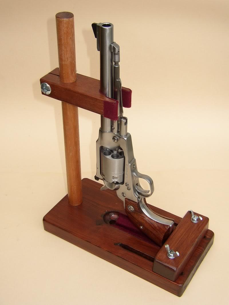 Support en bois pour revolvers la poudre noire entre l - Fabriquer un chevalet pour couper le bois ...
